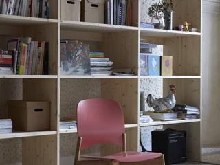 Lipp chair per Caon arreda:  in stile  di Luciano Bertoncini