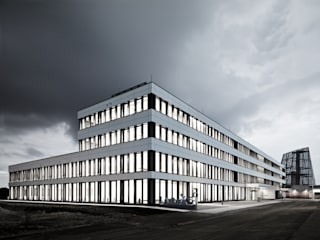 Europäische Hauptniederlassung Arthrex Moderne Bürogebäude von OCHS SCHMIDHUBER ARCHITEKTEN / BDA / STADTPLANER Modern