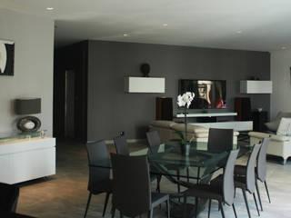 Vue du plan de travail de la  cuisine: Salon de style de style Minimaliste par Interlude Architecture