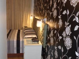 Dormitório em branco e preto: Quartos  por Elaine Medeiros Borges design de interiores,Moderno