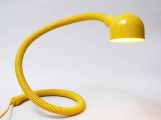 Lampe serpent Années 70:  de style  par MODERNARIATO