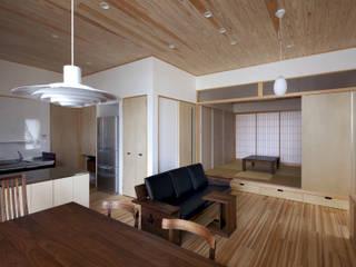 大橋の家 モダンデザインの リビング の 那波建築設計 NABA architects モダン