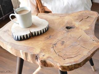 Stolik kawowy BIG STILL WOOD: styl , w kategorii Salon zaprojektowany przez D2 Studio