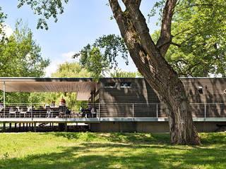 Gastronomía de estilo  por m67 architekten , Moderno