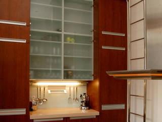 Projekt wnętrz apartamentu, kompleksowe wykonawstwo Nowoczesna kuchnia od Anna Buczny PROJEKTOWANIE WNĘTRZ Nowoczesny