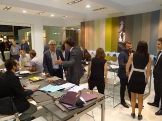 Diseño stand Crevin Intelligent Fabrics. MoOd 2014. Diseño de ferias de estilo mediterráneo de Morgui Súnico Mediterráneo