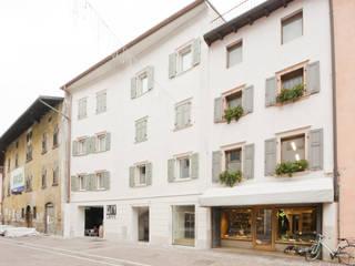 esterno3: Case in stile  di studio x architettura