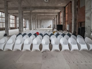Flux Chairs: modern  door Flux Furniture, Modern