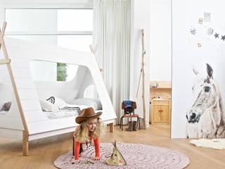 Scandinavian style nursery/kids room by Żyrafy z Szafy Scandinavian