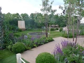 RHS Hampton Court Palace Garden Show 2010 - The Combat Stress Therapeutic Garden: classic Garden by Fi Boyle Garden Design