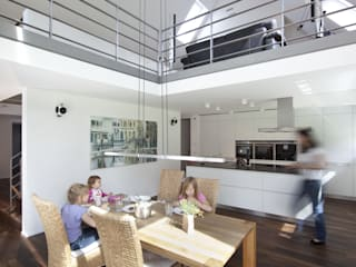 Kitchen by Koschany + Zimmer Architekten KZA
