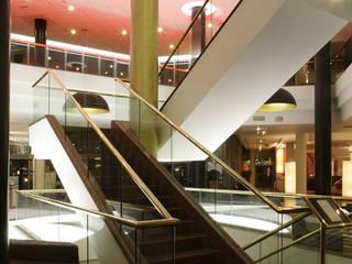 Hotel Radisson BLU Lobby Hotelowe, projekt wnętrz, nadzór, wykonawstwo pod klucz od Anna Buczny PROJEKTOWANIE WNĘTRZ Nowoczesny