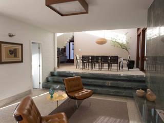 Salas de estilo rural por Mutabile