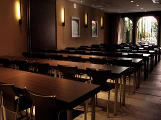 Gramil Interiorismo II - Decoradores y diseñadores de interiores モダンなホテル