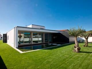 Casas  por Atelier Lopes da Costa