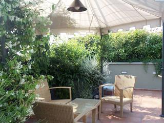 Un terrazzo molto esposto Balcone, Veranda & Terrazza in stile moderno di Rossana Parizzi Moderno