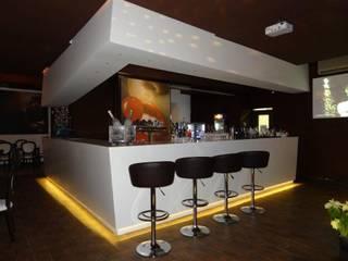 S'pashà: Bar & Club in stile  di Ilario Tassone Architects