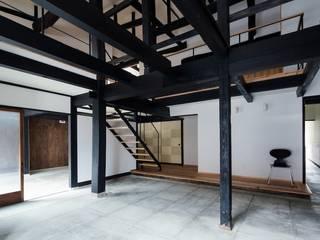 花しょうぶ通りの家・サロン 和風デザインの 多目的室 の タクタク/クニヤス建築設計 和風