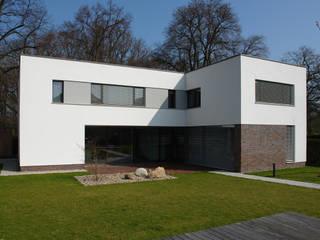 NW13 - Wohnhaus am Park Moderne Häuser von JÖRN KNOP ARCHITEKt+INNENARCHITEKT Modern