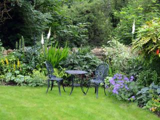 A garden on the riverbank:   by Susan Dunstall Landscape & Garden Design