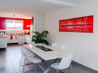 """Tableau contemporain rouge et """"Pixel"""" -Projet N°107 Cuisine moderne par Clonik Art Moderne"""