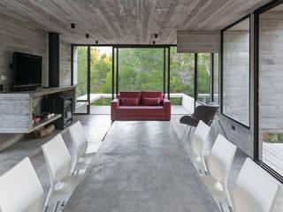 WEIN HOUSE Besonías Almeida arquitectos Sala da pranzo moderna