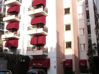 Sanremo Ristruttura Balcone, Veranda & Terrazza in stile moderno di Sanremo Ristruttura Moderno