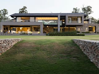 House in Blair Atholl Nico Van Der Meulen Architects Rumah Modern