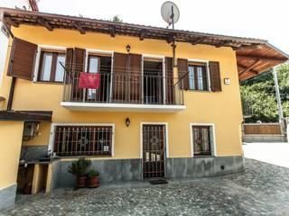 facciata su cortile UAU un'architettura unica Case moderne