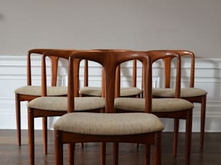 6 'Juliane' Chairs by Johannes Andersen:   by Flure Grossart 20th Century Design & Interiors
