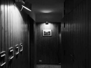 Pasillos y vestíbulos de estilo  por ABC+ME Studio di Architettura, Moderno