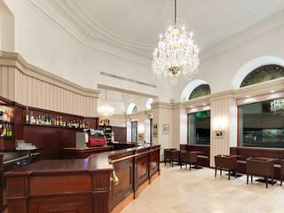 Caffè Garibaldi: Bar & Club in stile  di Di Dato & Meninno Architetti Associati