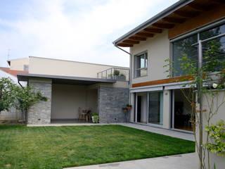Sabotino Home 25 Case moderne di STUDIO ZERO 30 Moderno