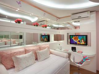 Apartamento Jatobá: Quarto infantil  por Designer de Interiores e Paisagista Iara Kílaris,
