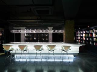 [DesigN m4]_상업공간 인테리어_CHARLES HOUSE: Design m4의  레스토랑,클래식