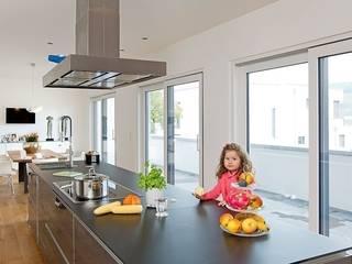 Hausentwurf Herausragende Kuben OKAL Haus GmbH Moderne Küchen
