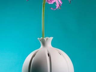 Vase Mohnkapsel von abendroth-porzellan Skandinavisch