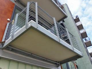 Balcones y terrazas de estilo clásico de Mineralit - Mineralgusswerk Laage GmbH Clásico
