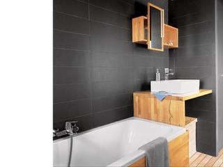 Baños de estilo moderno de atelier julien blanchard architecte dplg Moderno