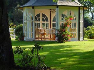 "WOGA Gartenpavillon ""Classic"" wunderschön und exclusiv Klassischer Garten von WOGA Gartenpavillon Klassisch"