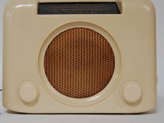 Vintage Cream Bakelite Bush DAC90 Radio:  Study/office by Retro Bazaar Ltd
