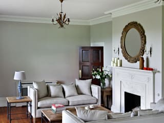 Modern Country-  traditional living room with updated classic furniture: classic  by Blue Isle Interiors Ltd, Classic