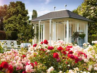 Ein individuell gestalteter WOGA Gartenpavillon Moderner Garten von WOGA Gartenpavillon Modern