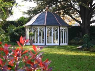 Ein individuell gestalteter WOGA Gartenpavillon Klassischer Garten von WOGA Gartenpavillon Klassisch