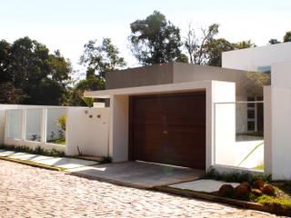 Moderne huizen van Tartan Arquitetura e Urbanismo Modern