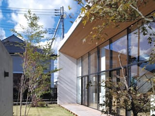 Jardines de estilo moderno de プライム建築都市研究所 Moderno