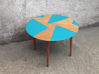 G-C01 : Petite table basse ronde revalorisée:  de style  par JM Design Ameublement