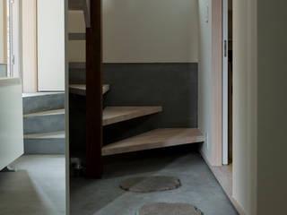 Couloir et hall d'entrée de style  par 充総合計画 一級建築士事務所, Moderne