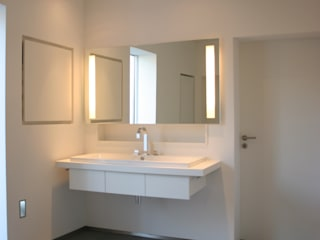 Modern style bathrooms by Karl Kaffenberger Architektur | Einrichtung Modern