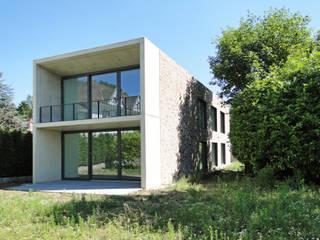 E17 - Zweifamilienhaus in Aachen:  Häuser von iva architektur